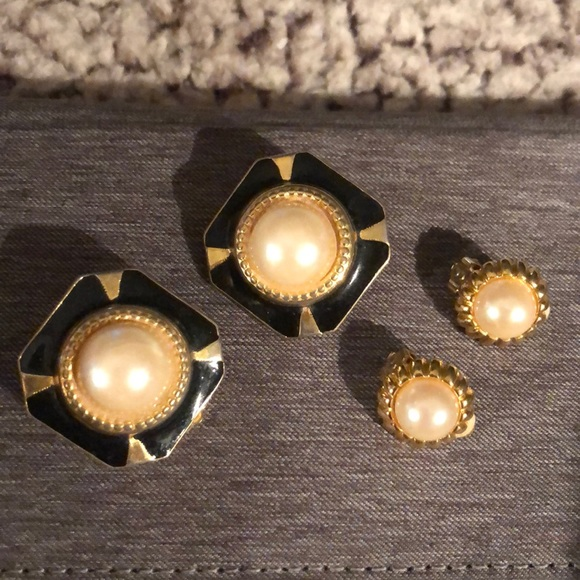 Jewelry - 2 pair gold metal pearl and black clip-on earrings